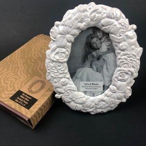 NIB Mix Bouquet White Glaze Ceramic Picture Frame